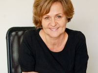 Farmecul unei afaceri dedicate cartilor. Iren Arsene, speaker la Meet the WOMAN!