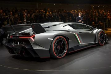 Salonul Auto Geneva. Modele in serie limitata, comandate de milionarii lumii: Lamborghini de 3 mil. euro si masina din aur