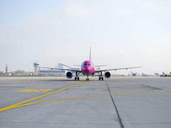 Wizz Air, cel mai mare operator low cost din Europa Centrala si de Est, s-a listat pe bursa de la Londra. Capitalizarea in urma oferte publice initiale depaseste 800 mil. euro