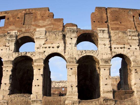 Fitch retrogradeaza Italia, din cauza incertitudinilor politice