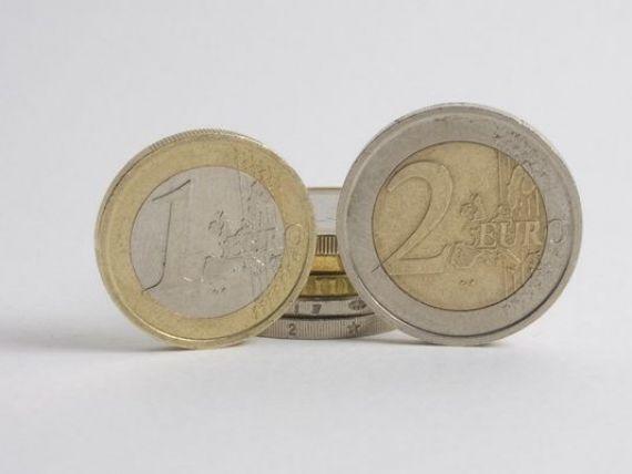 Leul s-a depreciat usor in fata euro. Referinta BNR a urcat cu aproape un ban, la 4,3643 lei/euro