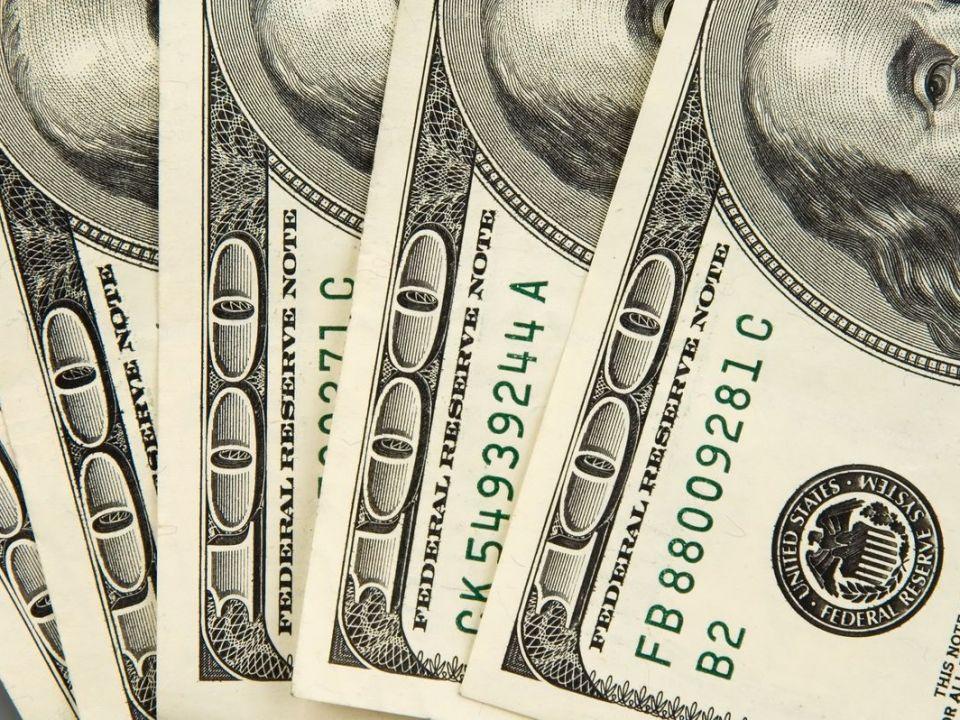 Cum să faci afaceri de un milion de euro cu o investiţie de câteva sute: vinzi asigurări online