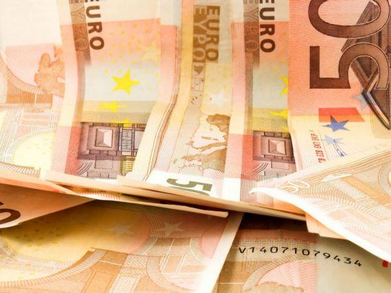 Referinta BNR a urcat joi la 4,3975 lei/euro. Leul a mai pierdut 1,38 bani