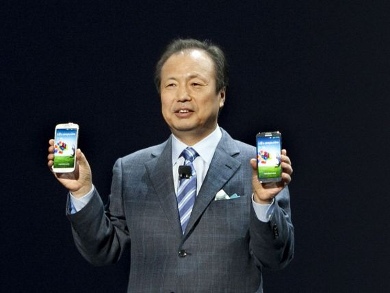 INTERVIU cu seful smartphone-urilor Samsung. Care e cel mai important pariu al companiei si cand se va lansa telefonul cu ecran flexibil
