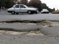 Autostrada gropilor. 80 de km de cratere ii asteapta pe soferii care vor sa ajunga la mare de 1 Mai