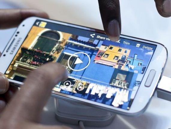 Samsung Galaxy S4 se sparge mai usor decat iPhone 5 al celor de la Apple- teste