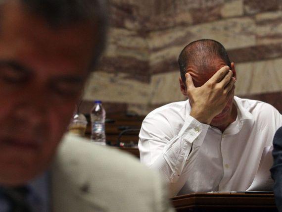 Tensiuni la Atena. Planul secret al lui Varoufakis: cum urma sa fie  spart  site-ul Finantelor publice, copiate in secret parolele conturilor fiscale ale grecilor si reintrodusa drahma