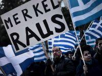 Sute de angajati ai bancilor manifesteaza la Nicosia