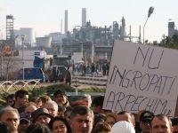 Proteste de amploare la Arpechim si Oltchim. Angajatii, nemultumiti ca nu si-au primit salariile de 3 luni