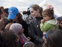 Angelina Jolie finanteaza scolile din Afganistan cu banii castigati din bijuterii
