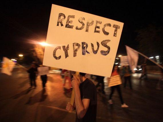 FMI va contribui cu 1 miliard de euro la pachetul de imprumuturi externe pentru Cipru