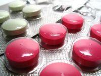 Cine vrea sa inchida fabricile romanesti de medicamente. Daca doua treimi din tratamente s-ar face cu produse autohtone, statul ar economisi 250 mil. euro/an