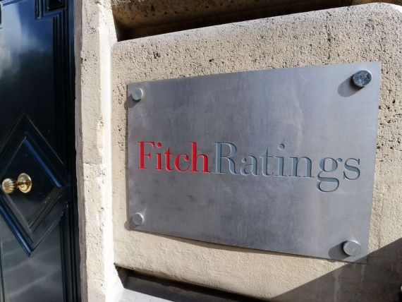 Fitch a retrogradat ratingurile datoriilor in moneda locala ale Ucrainei