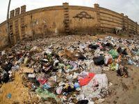 """""""Oceane"""" de gunoi pe strazile Egiptului. Cum se distruge una dintre cele mai mari economii din Africa, dupa caderea regimului Mubarack"""