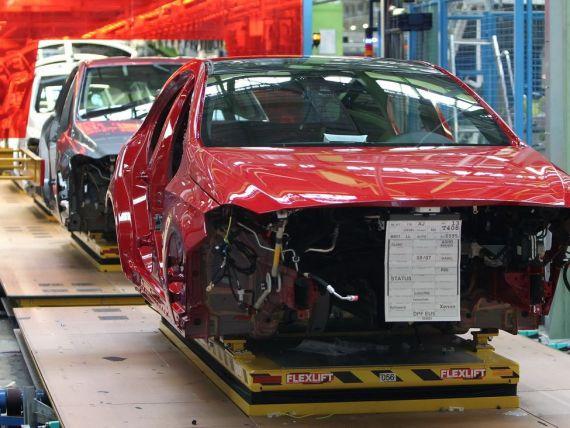 Nemtii de la Daimler vor sa deschida o fabrica in Romania