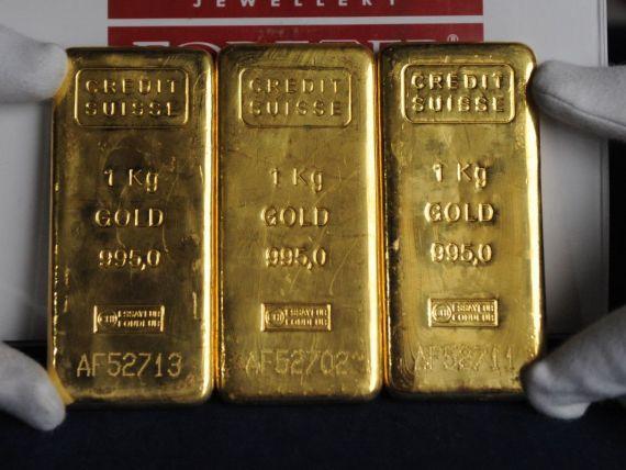 Cotatia aurului isi revine usor dupa cea mai mare scadere incepand din anii  80. Cat au pierdut romanii care au investit