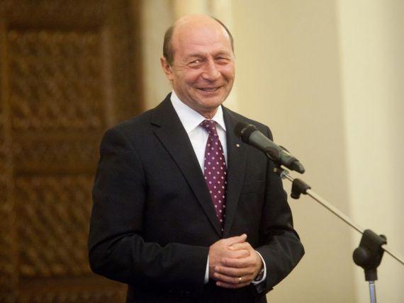 Basescu: Natalitatea, o misiune pe care si femeile din Romania trebuie sa si-o asume