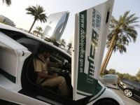Politia din Dubai si-a cumparat masini Ferrari si un Lamborghini Aventador. Aici benzina e mai ieftina ca apa