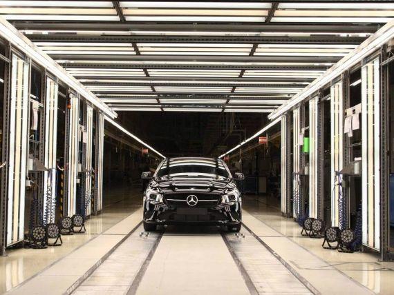 Daimler negociaza cu Renault colaborarea la constructia unui vehicul comercial