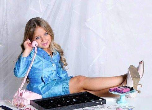 Viata unei milionare de numai 6 ani. Business-ul care a facut-o mai bogata decat toti copiii de bani gata