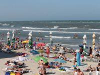 Peste 30.000 de turisti sarbatoresc 1 Mai pe litoral