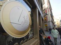 Un euro valoreaza 4,3 lei, atingand cel mai redus nivel din ultimul an si jumatate