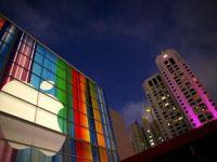 Apple ofera 10.000 de dolari utilizatorului care va descarca aplicatia cu numarul 50.000.000.000