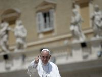 "Papa Francisc incurajeaza calugaritele sa fie mame, nu ""fete batrane"""