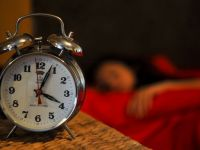 O ora de somn in plus. Un deputat propune ca Romania sa adopte permanent ora de vara