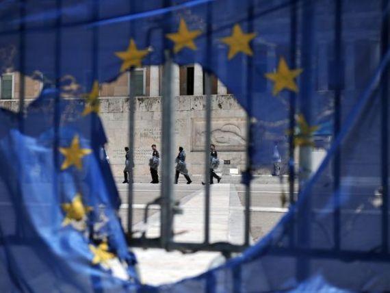 Grecii vorbesc din nou despre iesirea din zona euro. bdquo;Plan B , partidul care crede ca are solutia pentru salvarea tarii