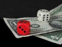 """Cum pierzi bani daca ii tii in banca. Depozitele pe termen scurt """"mananca"""" din economiile clientilor"""