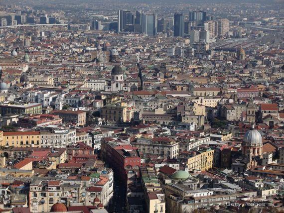 China isi  cumpara  tara in Europa, una in care foarte multi romani merg sa lucreze