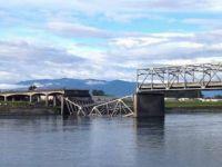 Un pod rutier s-a prabusit in statul Washington