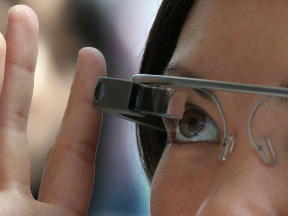 Ochelarii Google Glass vor putea fi dotati cu lentile corectoare de vedere