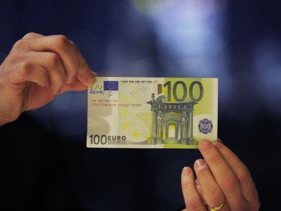 Cursul a urcat la 4,4090 lei/euro, maximul ultimelor doua luni
