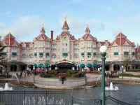 Un print saudit a cheltuit 15 milioane de euro, in trei zile, la parcul Disneyland din Paris