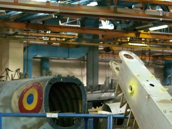 Ministerul Economiei cauta cumparatori pentru fabricile de avioane. IAR Ghimbav, Avioane Craiova si Romaero Baneasa, scoase la vanzare