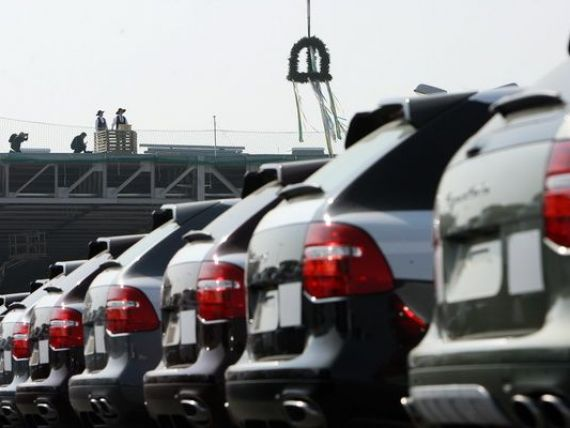 Porsche, lovit de inundatiile din Europa. Producatia modelului Cayenne, suspendata pe termen nelimitat