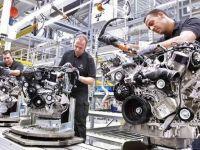 Ponta i-a vizitat pe muncitorii romani ai Daimler din Cugir, aflati la perfectionare la Stuttgart. Cum se lucreaza intr-o uzina nemteasca