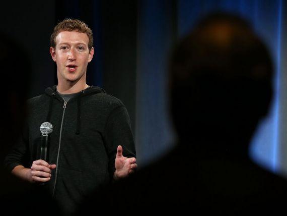 Pentru prima data, seful Facebook explica actionarilor scaderea companiei pe bursa