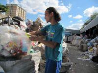 Cum transforma brazilienii gunoiul in bogatie, la propriu