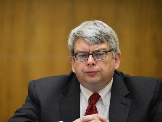 FMI il numeste in locul lui Tonny Lybek pe uruguaianul Guillermo Tolosa, ca reprezentant rezident in  Romania si Bulgaria
