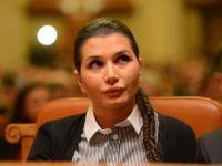Elena Basescu are in conturi peste 450.000 euro, un Range Rover si bijuterii de 50.000 euro. Cat castiga de la Parlamentul European