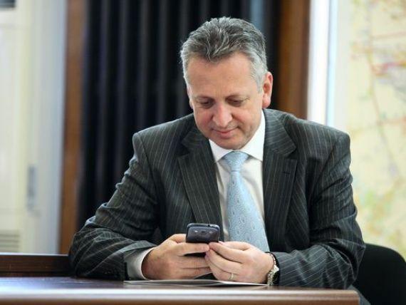 Ponta spune ca Fenechiu va pleca de la Transporturi doar daca judecatorii il condamna