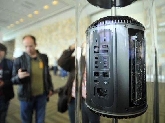 Apple pune paie pe foc in scandalul de supraveghere a utilizatorilor de Internet, iscat de SUA