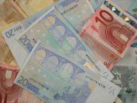 Cursul a urcat la 4,48 lei/euro, dupa patru sedinte consecutive de scadere