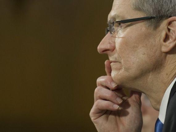 Apple schimba politica de salarizare. Pachetul lui Cook va depinde de cotatia actiunilor