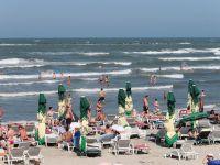De Rusalii, romanii s-au refugiat pe litoral. Tarifele pentru o zi la malul marii