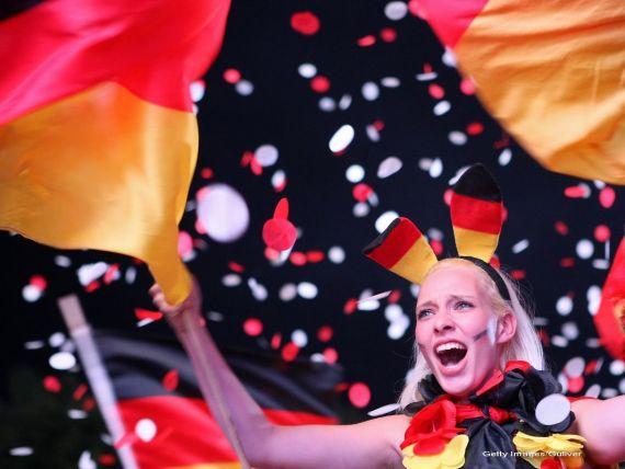 Rata somajului in Germania a scazut pentru a opta luna consecutiv, la cel mai redus nivel de dupa reunificarea tarii in 90.  Procesul de creare a locurilor de munca va absorbi nivelul ridicat al imigratiei