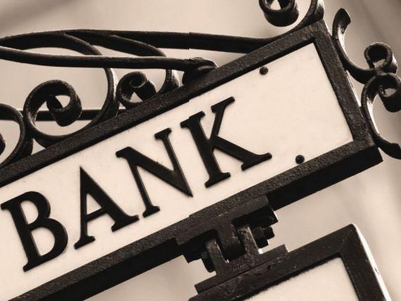 Guvernatorul BNR:  Scaderea dobanzilor la credite s-ar putea vedea din vara . Ce spune Isarescu despre amanarea denuntarii clauzelor abuzive din contracte